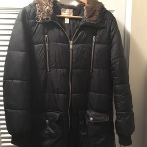 ⛄️Forever 21 Puffer Jacket with Faux Fur Hood